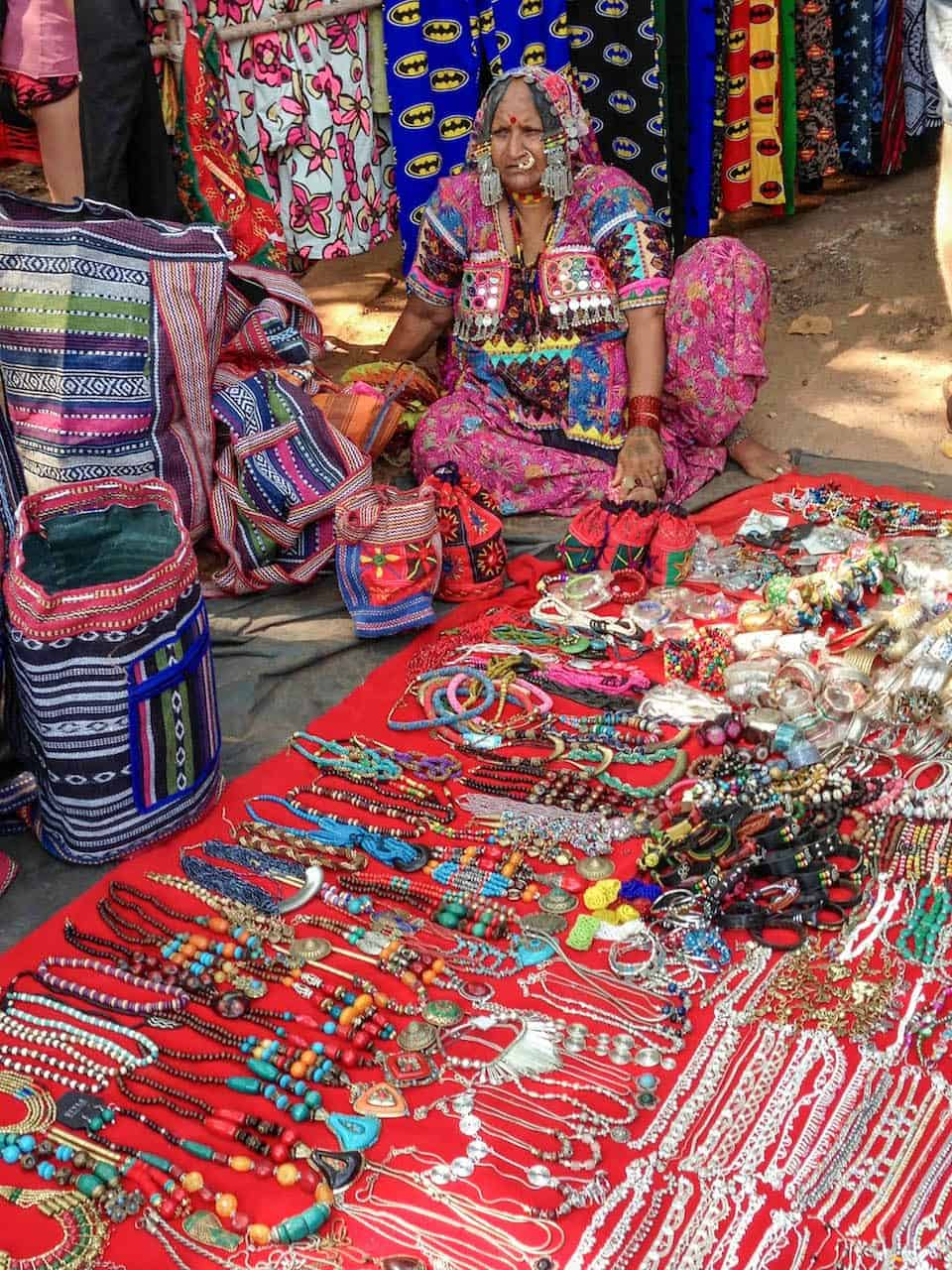 Photo essay anjuna flea market goa india the yoga nomads for Crafts for selling at market