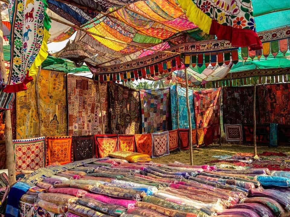 photo essay  anjuna flea market  goa  india