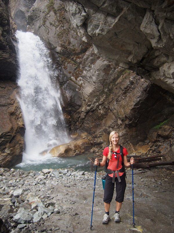 bring trekking poles for the annapurna circuit