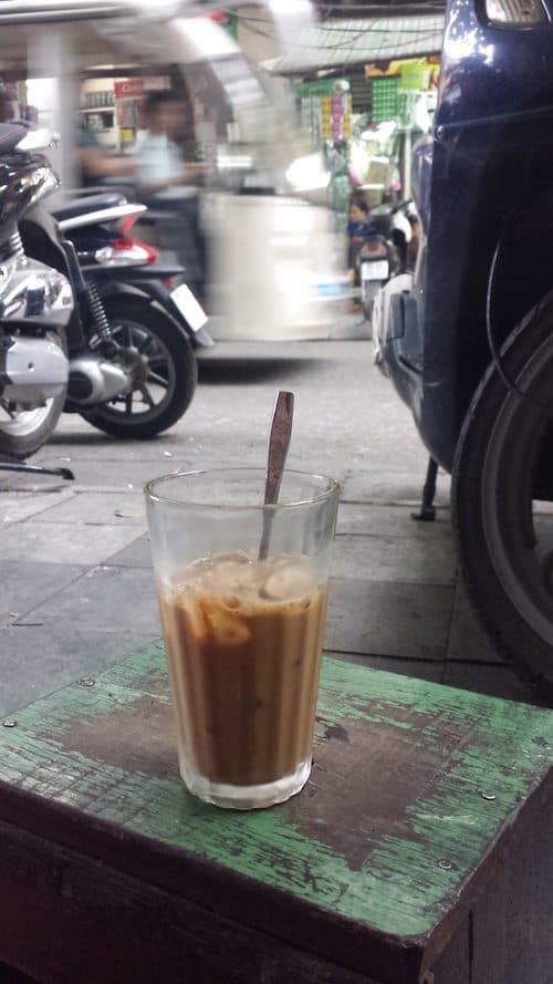 Ca phe da - iced coffee
