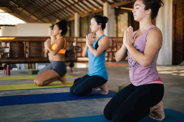 hulakai hotel yoga playa maderas