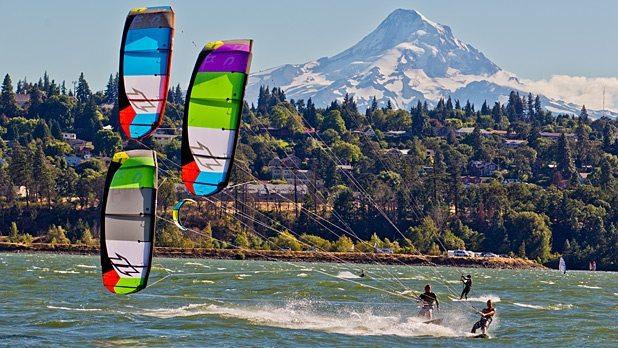 kite surfing hood river