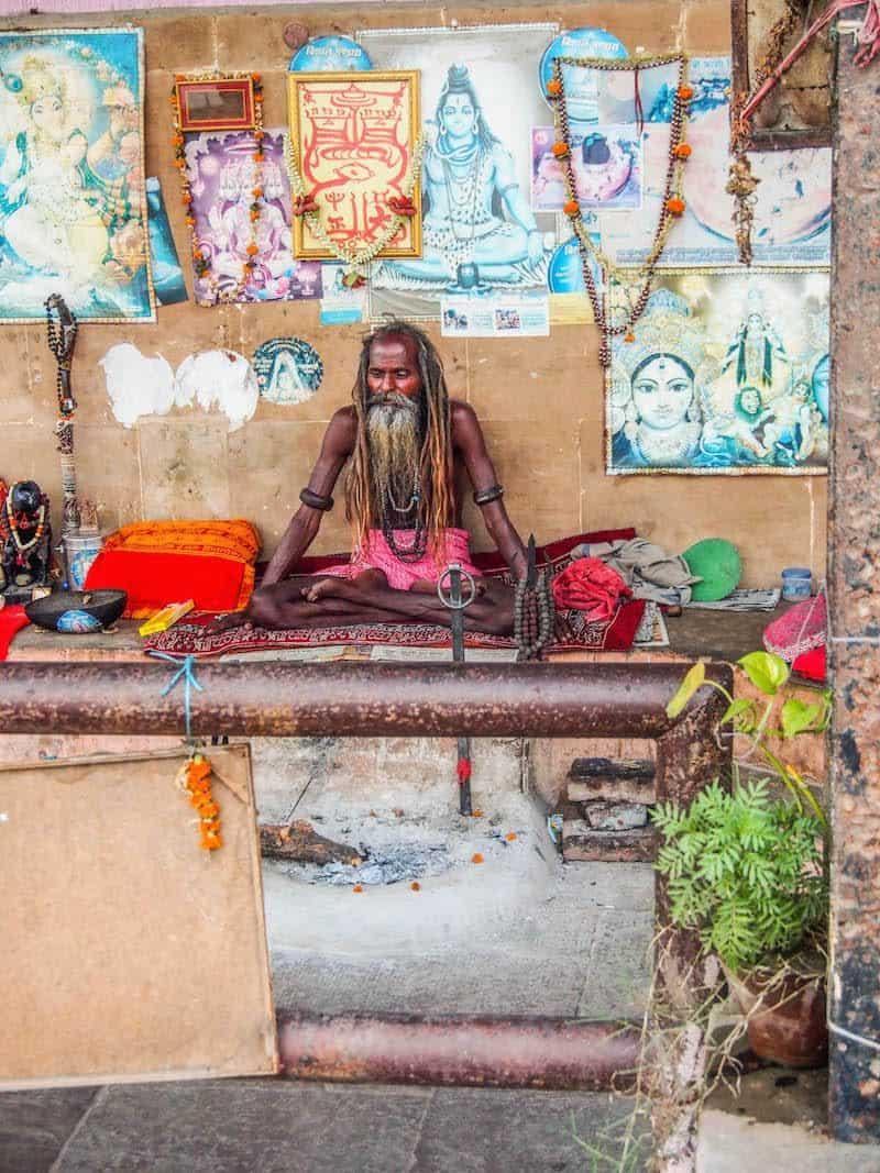 sadhu-india-varanasi-baba-ganges-river