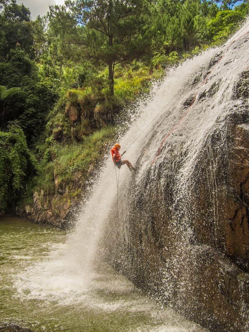 canyoning-dalat-central-vietnam-abseiling-water-falls