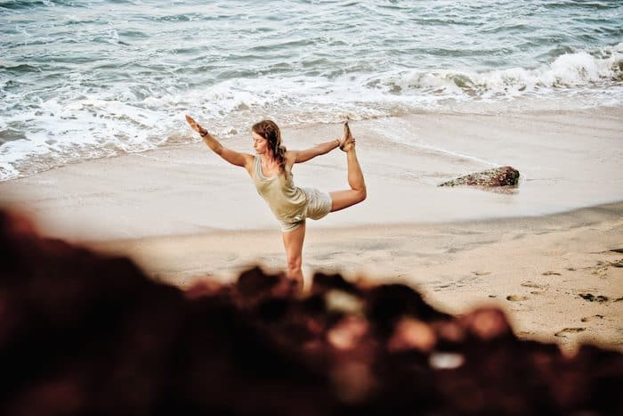 combine yoga with surfing - dancers pose