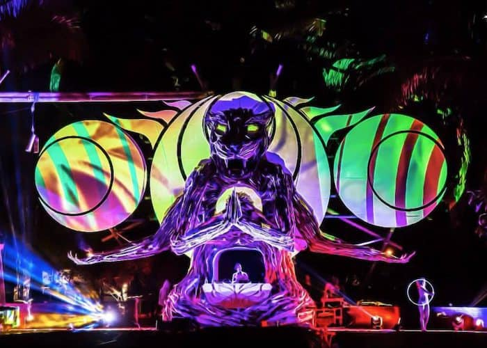 Atyya playing the Luna Stage - Envision 2015