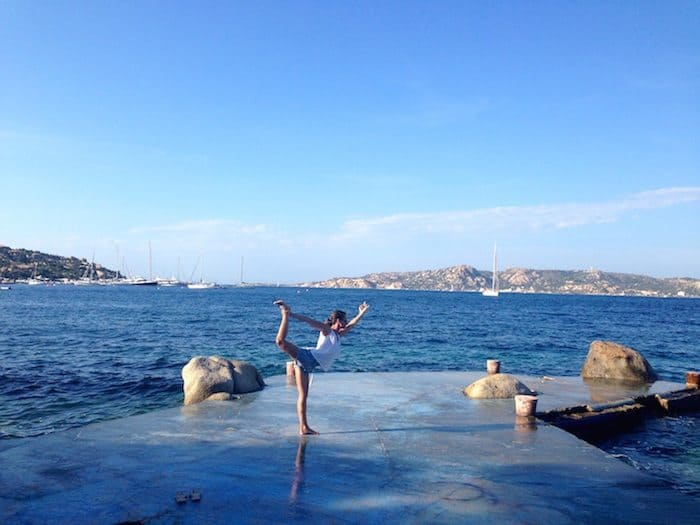 Jeanette - Yoga in Sardinien