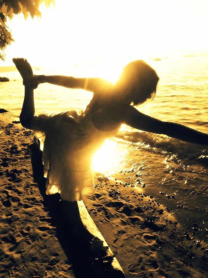 Mercedes-Grant-Yoga-Pose-Sunshine